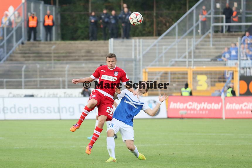Zlatko Dedic (FSV) gegen Florian Jungwirth (SV 98) - SV Darmstadt 98 vs. FSV Frankfurt, Stadion am Boellenfalltor
