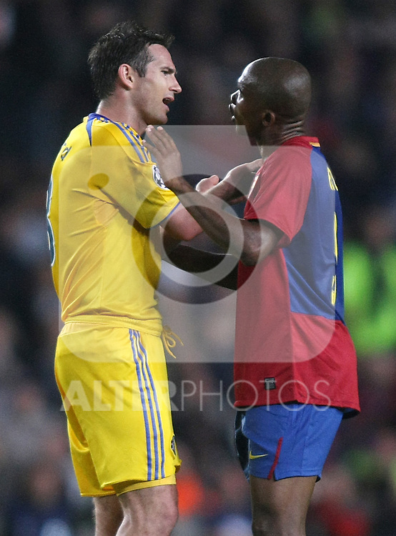 Chelsea's Frank Lampard (l) and FC Barcelona's Samuel Eto'o during the UEFA Champions League match.April 28 2009. (ALTERPHOTOS/Acero).