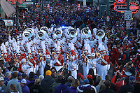 Arkansas Democrat-Gazette/BENJAMIN KRAIN --1/1/16--<br /> Arkansas Liberty Bowl Parade and pep rally on Beale Street in Memphis
