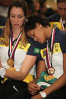 SAO PAULO, 13 DE AGOSTO DE 2012. VISITA DA SELECAO DE VOLEI FEMININA. As jogadoras da  seleção brasileira de volei feminino, Thaisa e Adenizia,  durante visita da seleção brasileira de volei feminina ao governador Geraldo Alckmin no Palacio dos Bandeirantes na tarde desta segunda feira. FOTO ADRIANA SPACA - BRAZIL PHOTO PRESS