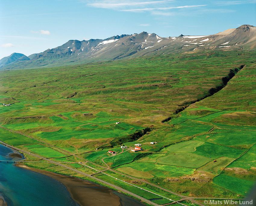 Ytra-Gil og Syðra-Gil séð til suðvesturs, Eyjafjarðarsveit áður Hrafnagilshreppur /  Ytra-Gil and Sydra-Gil viewing southwest, Eyjafjardarsveit former Hrafnagilshreppur.