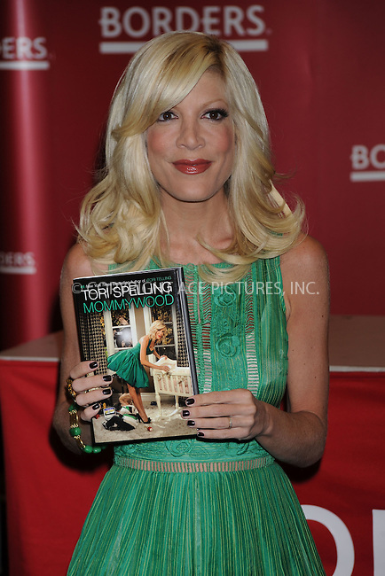 WWW.ACEPIXS.COM . . . . . ....April 17 2009, New York City....TV personality Tori Spelling signed copies of her new book ''Mommywood'' at Borders Columbus Circle on April 17, 2009 in New York City.....Please byline: KRISTIN CALLAHAN - ACEPIXS.COM.. . . . . . ..Ace Pictures, Inc:  ..tel: (212) 243 8787 or (646) 769 0430..e-mail: info@acepixs.com..web: http://www.acepixs.com