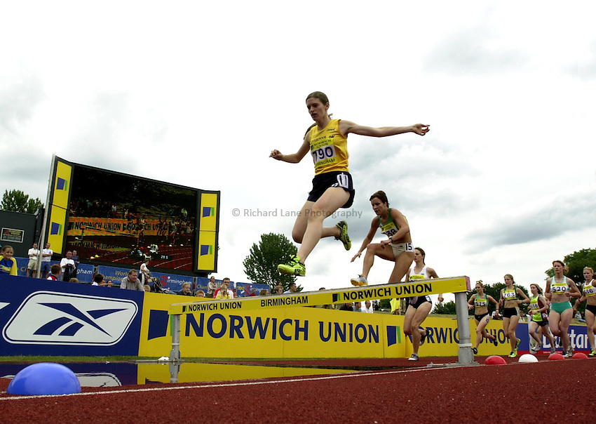Photo: Richard Lane..Norwich Union World Trials & AAA Championships. 26/07/2003..Womens 2000m steeplechase.