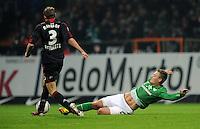 FUSSBALL   1. BUNDESLIGA   SAISON 2011/2012   19. SPIELTAG Werder Bremen - Bayer 04 Leverkusen                    28.01.2012 Stefan Reinartz (li, Bayer 04 Leverkusen) gegen Tom Trybull (re, SV Werder Bremen)