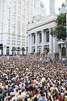 RIO DE JANEIRO - RJ - 19 DE MAIO DE 2012<br /> Nesta tarde de sábado, aconteceu a Marcha para Jesus Rio de Janeiro, com caminhada pela avenida Presidente Vargas e avenida Rio Branco, vias principais do Rio até a Cinelândia, com shows gospel. A estimativa feitas pela PM foi de aproximadamente 300 mil pessoas.<br /> FOTO: RONALDO BRANDÃO/BRASIL PHOTO PRESS  <br /> Fachada do Teatro Municipal do Rio de Janeiro
