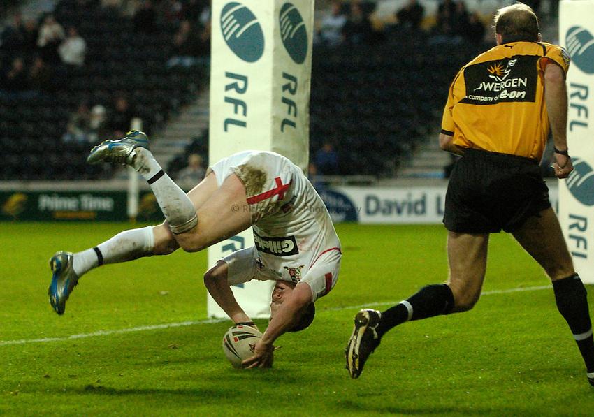 Photo: Jed Wee..England v Samoa. Federation Shield. 05/11/2006...England's Chris Ashton scores.