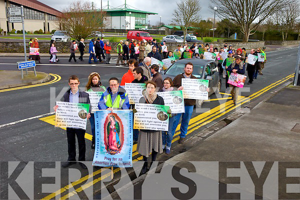 Pro-Life protesters took to the streets of Tralee on Wednesday afternoon to oppose legalising abortion i Ireland.