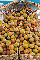 Fresh Fruit, Plums, Produce, Farmers Market, Farm-fresh produce, fruits,