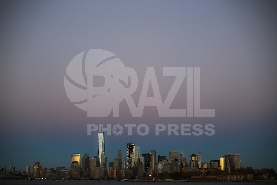 JERSEY CITY, NJ, ESTADOS UNIDOS, 11.11.2016 - TURISMO-EUA - Vista da Ilha de Manhattan a partir de Jersey CIty nesta sexta-feira, 11. (Foto: William Volcov/Brazil Photo Press)