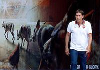 """Calcio: allenamento a porte aperte """"Open Day"""" per la presentazione della Roma, a Roma, stadio Olimpico, 21 agosto 2013.<br /> AS Roma coach Rudi Garcia, of France, arrives for the club's Open Day training session at Rome's Olympic stadium, 21 August 2013.<br /> UPDATE IMAGES PRESS/Riccardo De Luca"""