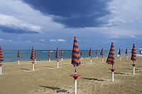 - the Pescara beach<br /> <br /> - la spiaggia di Pescara