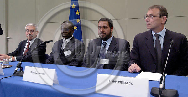 Brussels-Belgium - 09 June 2005---Participants of the press conference on the first meeting of the EU-OPEC Energy Dialogue, from left to right, i.a. 1-4: 1-Adnan SHIHAB-ELDIN, Acting Secretary General of OPEC; 2-Edmund Maduabebe DAUKORU, Alternate President of OPEC and Presidential Adviser on Petroleum and Energy of Nigeria; 3-Sheikh Ahmad Fahad Al-Ahmad AL-SABAH, President of OPEC and Minister of Energy of Kuwait; 4- Andris PIEBALGS, European Commissioner for Energy; in the press room of the HQ of the EC---Photo: Horst Wagner/eup-images