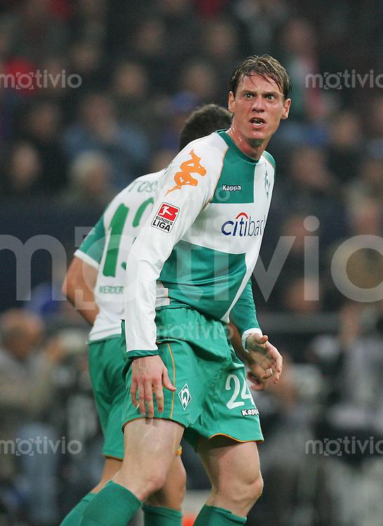 Fussball Bundesliga 2007/08 FC Schalke 04 - SV Werder Bremen Tim BOROWSKI (W) lautstark, wuetend.