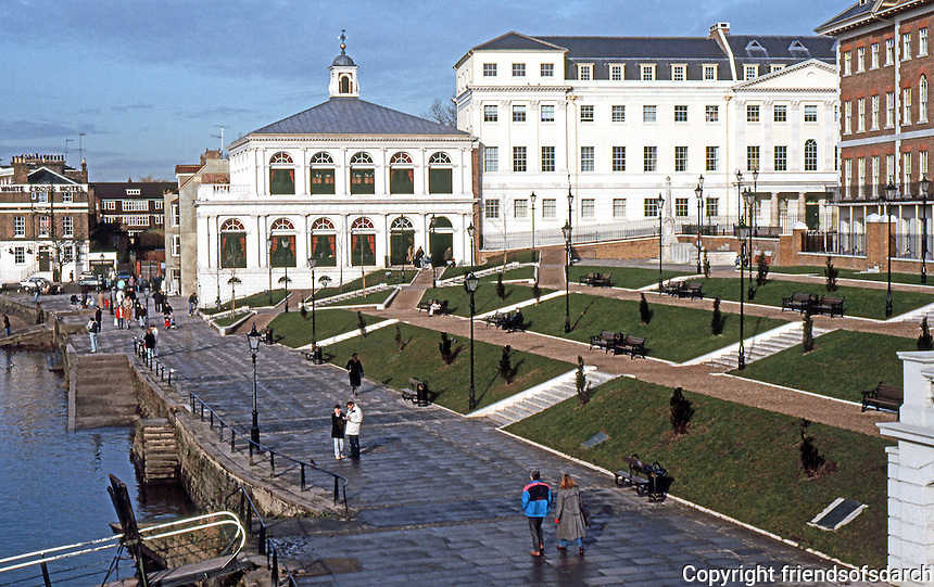 London: Richmond Riverside, Terrace.  Photo '90.