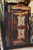 Europe/Suisse/Saanenland/Gstaad: Grand Hôtel Park - l'ancien ascenseur du palace