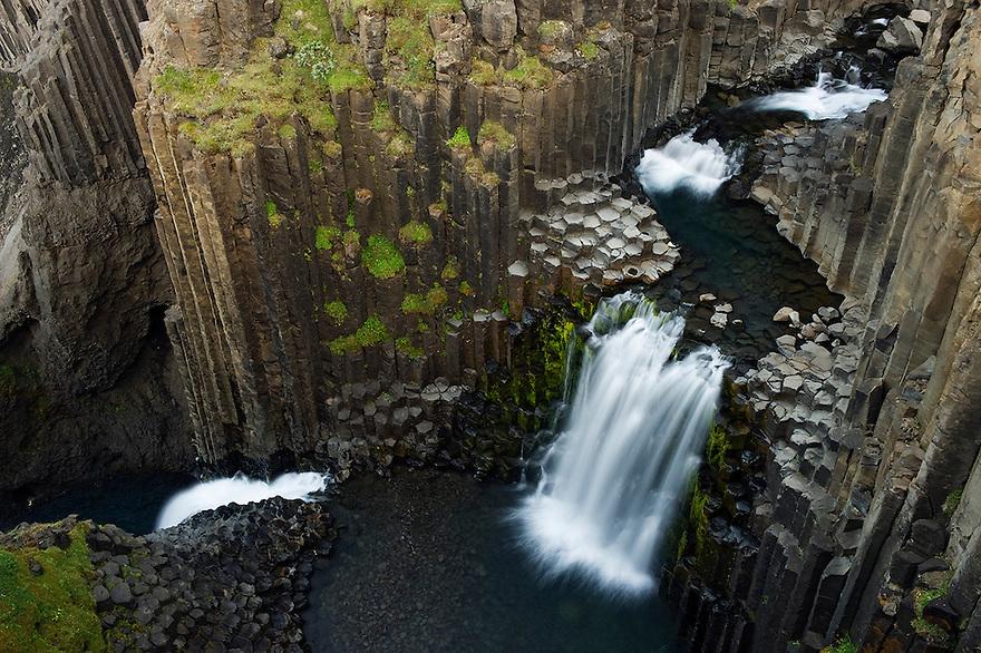 13.08.2008<br /> Litlanesfoss waterfall<br /> Hengifoss&aacute; river<br /> Basalt lava solidified in hexagonal columns<br /> Iceland