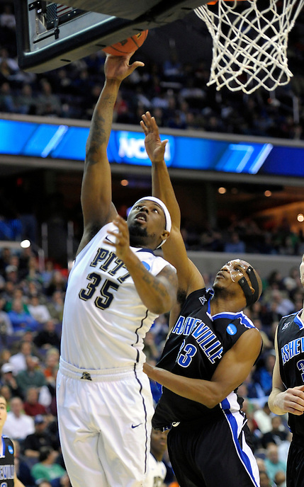 Nasir Robinson of the Panthers gets an easy bucket. Pittsburgh defeated UNC-Ashville 74-51 during the NCAA tournament at the Verizon Center in Washington, D.C. on Thursday, March 17, 2011. Alan P. Santos/DC Sports Box