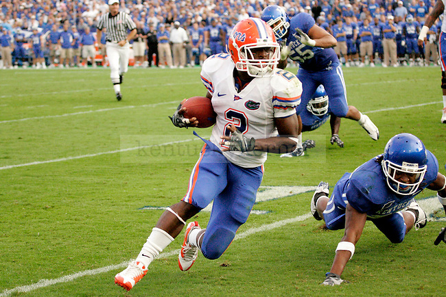 Florida player Jeff Demps attempts to run for a touchdown during the first half of the game against UK on Sept. 26, 2009 at Commonwealth Stadium. The Cats lost to the No. 1 ranked Gators 41-7. Photo by Adam Wolffbrandt \ Staff