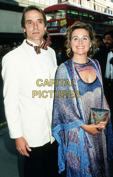 JEREMY IRONS & WIFE SINEAD CUSACK.Ref: 007.bow tie, half length, half-length.*RAW SCAN - photo will be adjusted for publication*.www.capitalpictures.com.sales@capitalpictures.com.© Capital Pictures