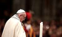 Papa Francesco celebra la preghiera dei Primi Vespri e Te Deum in ringraziamento per l'anno trascorso. Citt&agrave; del Vaticano, 31 dicembre 2016.<br /> Pope Francis celebrates the new year's eve Vespers and Te Deum prayer in Saint Peter's Basilica at the Vatican, on December 31, 2016.<br /> UPDATE IMAGES PRESS/Isabella Bonotto<br /> <br /> STRICTLY ONLY FOR EDITORIAL USE