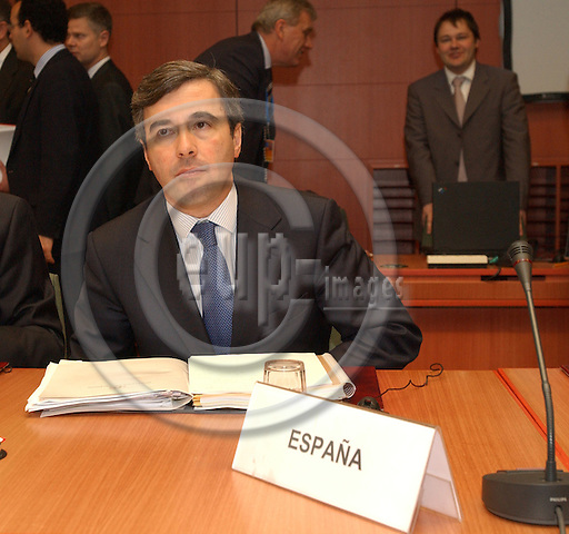 Brussels-Belgium - March 19, 2004---Angel ACEBES PANIAGUA, Spanish Minister for the Interior, at the beginning of the meeting of the European Ministers for the Interior in the 'Justus Lipsius', seat of the Council of Ministers of the European Union---Photo: Horst Wagner/eup-images
