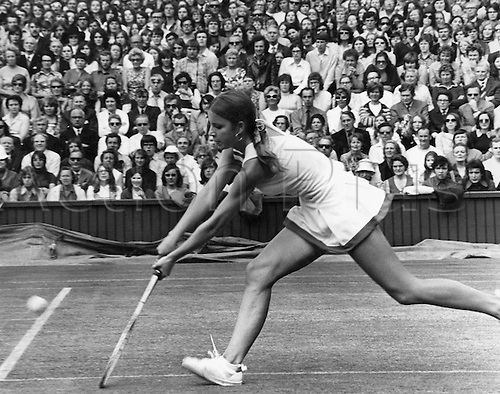 05.07.1972  Wimbledon, London England.  Chris Evert (USA) versus E. Goolagong (Australia) ladies singles final.  Chris Evert Lloyd
