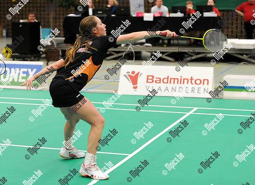 2012-02-05 / Seizoen 2011-2012 / Badminton / Belgische kampioenschappen / Manon Albinus en J. Gillis nemen het in de mixed doubles op tegen F. Gaspard en Sabine Devooght ..Foto: mpics