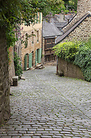France, Côtes-d'Armor (22), Dinan, Rue du Jerzual // France, Cotes d'Armor, Dinan, he Rue du Jerzual is a steep medieval street connecting Dinan to the river below.