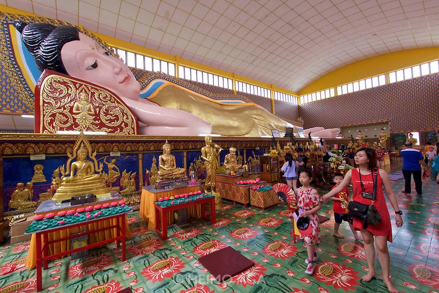 Malaysia, Penang. Reclining Buddha Thai Temple (Wat Chayamangkalaram).