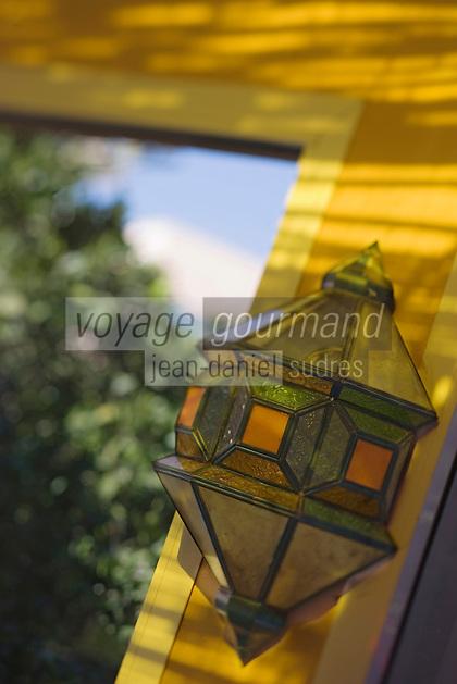 Afrique/Afrique du Nord/Maroc/Rabat: Hotel - Maison d'Hote Villa Mandarine - détail lanterne du patio [Non destiné à un usage publicitaire - Not intended for an advertising use]
