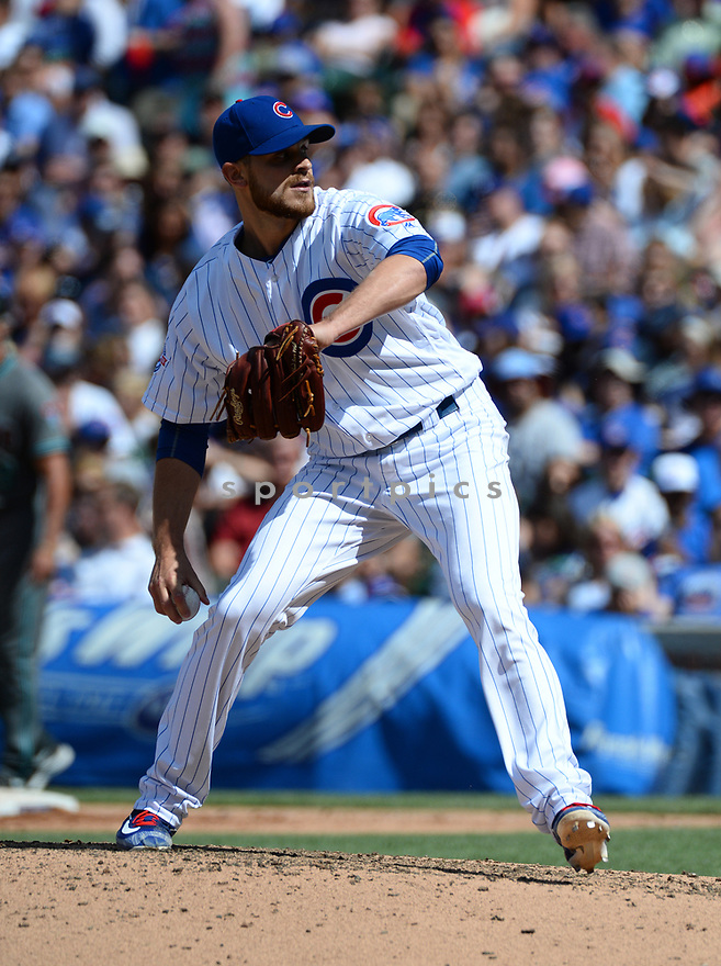 Chicago Cubs Justin Grimm (52) during a game against the Arizona Diamondbacks on June 5, 2016 at Wrigley Field in Chicago, IL. The Diamondbacks beat the Cubs 3-2.