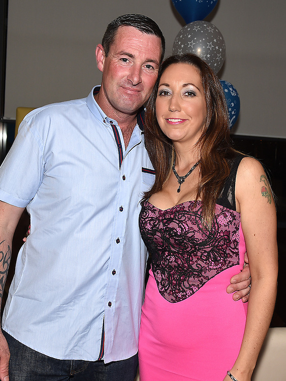 Dennis Phillips celebrating his 40th birthday in Brú with his wife Tracey. Photo:Colin Bell/pressphotos.ie