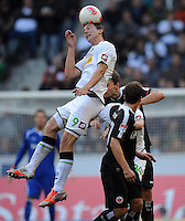 FUSSBALL   1. BUNDESLIGA  SAISON 2012/2013   7. Spieltag   Borussia Moenchengladbach - Eintracht Frankfurt   07.10.2012 Luuk De Jong (Borussia Moenchengladbach) erfolgreich im Kopfballduell