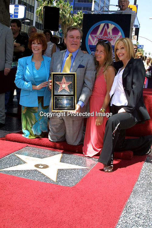 ©2002 KATHY HUTCHINS / HUTCHINS PHOTO.ROBERT WAGNER STAR ON THE .HOLLYWOODWALK OF FAME  .7/16/02.JILL ST. JOHNS, ROBERT WAGNER,.COURTNEY AND KATIE WAGNER .