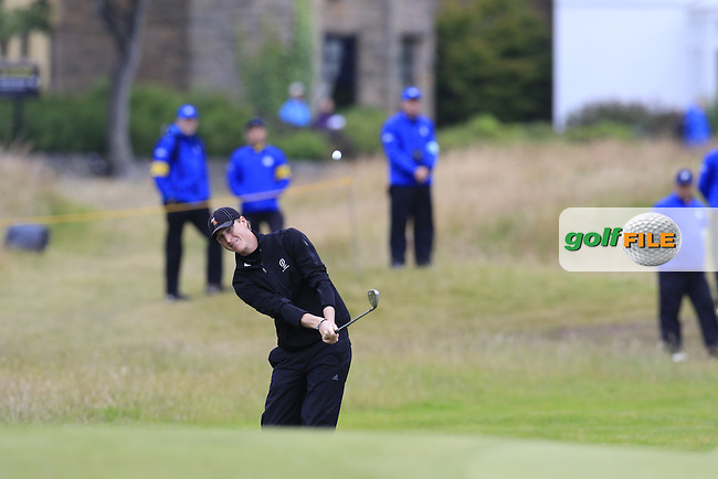 Jordan Niebrugge (AM)(USA) chips into the 17th green during Monday's Final Round of the 144th Open Championship, St Andrews Old Course, St Andrews, Fife, Scotland. 20/07/2015.<br /> Picture Eoin Clarke, www.golffile.ie