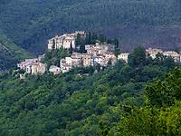 Italien, Latium, Bergdorf Rocca Sinibalda in den Monti Carseolani | Italy, Lazio, mountain village Rocca Sinibalda at Monti Carseolani mountains