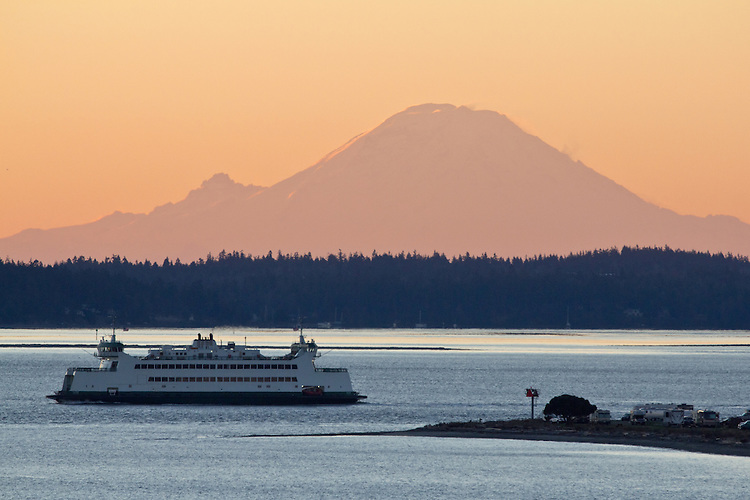 Port Townsend, sunrise,  Mount Rainier, Washington State Ferry, Point Hudson, Puget Sound, winter, Jefferson County, Pacific Northwest, Olympic Peninsula, Washington State,