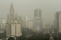 RIO DE JANEIRO, RJ, 28 FEVEREIRO 2013 - CLIMA TEMPO RJ -  Chuva fina atinge  o Rio de Janeiro na regiao central da cidade, fazendo a  temperatura ficar mais amena nessa quinta-feira  28. (FOTO:LEVY RIBEIRO / BRAZIL PHOTO PRESS)