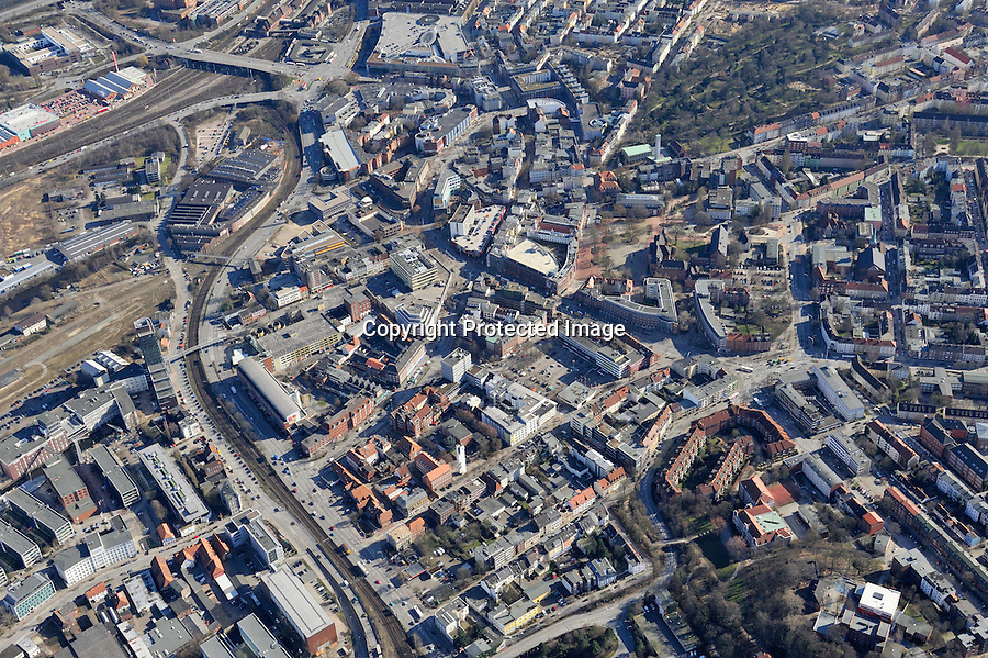 Harburg: EUROPA, DEUTSCHLAND, HAMBURG, (EUROPE, GERMANY), 19.03.2009: Hamburg Harburg, Zentum, Stadtmitte,  Stadtbild, Uebersicht, Ansicht, Luftbild, Luftansicht, Luftaufnahme, .c o p y r i g h t : A U F W I N D - L U F T B I L D E R . de.G e r t r u d - B a e u m e r - S t i e g 1 0 2, .2 1 0 3 5 H a m b u r g , G e r m a n y.P h o n e + 4 9 (0) 1 7 1 - 6 8 6 6 0 6 9 .E m a i l H w e i 1 @ a o l . c o m.w w w . a u f w i n d - l u f t b i l d e r . d e.K o n t o : P o s t b a n k H a m b u r g .B l z : 2 0 0 1 0 0 2 0 .K o n t o : 5 8 3 6 5 7 2 0 9.V e r o e f f e n t l i c h u n g  n u r  m i t  H o n o r a r  n a c h M F M, N a m e n s n e n n u n g  u n d B e l e g e x e m p l a r !.