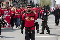 Ca. 1000 Nazis aus ganz Deutschland marschierten am Sonntag den 1. Mai 2016 im Saeschsichen Plauen auf. Die Naziorganisation 3.Weg hatte den Marsch angemeldet. Etliche Nazis waren dabei vermummt und zeigten auch den Hitlergruss, die Polizei schritt jedoch nicht ein.<br /> Nach der Haelfte der Marschroute beendeten die Nazis ihre Demonstration, da die Polizei die Marschroute verkuerzen wollte. Sie forderten die Polizei auf den Weg freizugeben. Danach griffen Aufmarschteilnehmer die Polizei an, die daraufhin Wasserwerfer, Pfefferspray, Traenengas und Schlagstoecke einsetzte. Mehrere Gruppen Nazis zogen danach durch Plauen und jagten Menschen.<br /> Nach einer Stunde bekamen die Nazis einen erneuten Aufmarsch von der Polizei genehmigt und zogen zurueck zum Bahnhof.<br /> Im Bild: David Linke aus Berlin.<br /> 1.5.2016, Plauen<br /> Copyright: Christian-Ditsch.de<br /> [Inhaltsveraendernde Manipulation des Fotos nur nach ausdruecklicher Genehmigung des Fotografen. Vereinbarungen ueber Abtretung von Persoenlichkeitsrechten/Model Release der abgebildeten Person/Personen liegen nicht vor. NO MODEL RELEASE! Nur fuer Redaktionelle Zwecke. Don't publish without copyright Christian-Ditsch.de, Veroeffentlichung nur mit Fotografennennung, sowie gegen Honorar, MwSt. und Beleg. Konto: I N G - D i B a, IBAN DE58500105175400192269, BIC INGDDEFFXXX, Kontakt: post@christian-ditsch.de<br /> Bei der Bearbeitung der Dateiinformationen darf die Urheberkennzeichnung in den EXIF- und  IPTC-Daten nicht entfernt werden, diese sind in digitalen Medien nach §95c UrhG rechtlich geschuetzt. Der Urhebervermerk wird gemaess §13 UrhG verlangt.]