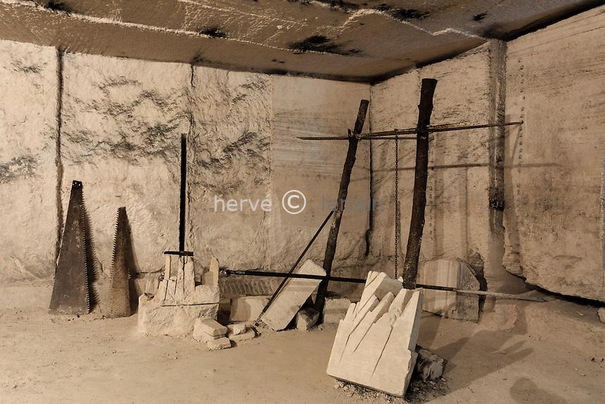France, la Puisaye, Yonne (89), Taingy, hameau d'Aubigny, carrière d'Aubigny, outils de carrier // France, the Puisaye, Yonne, Taingy, Aubigny hamlet, Aubigny quarry, quarryman's tools