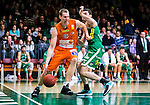 S&ouml;dert&auml;lje 2015-02-07 Basket Basketligan S&ouml;dert&auml;lje Kings - Bor&aring;s Basket :  <br /> Bor&aring;s Mike Palm i kamp om bollen med S&ouml;dert&auml;lje Kings Toni Bizaca under matchen mellan S&ouml;dert&auml;lje Kings och Bor&aring;s Basket <br /> (Foto: Kenta J&ouml;nsson) Nyckelord:  S&ouml;dert&auml;lje Kings SBBK T&auml;ljehallen Bor&aring;s Basket