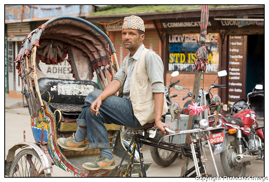 N&eacute;pal<br /> Kathmandu- pilote de rickshaw
