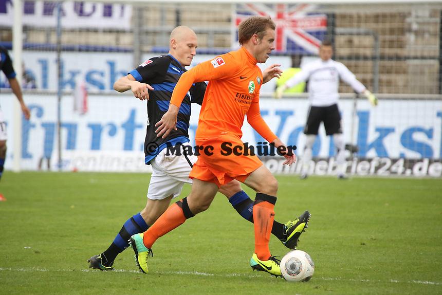 Joni Kauko (FSV) gegen Oliver Schröder (Aue)- FSV Frankfurt vs. FC Erzgebirge Aue, Frankfurter Volksbank Stadion