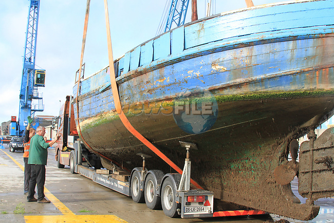 The retired fishing vessel Ros Einne being removed from the river boyne..Picture Fran Caffrey/www.newsfile.ie.