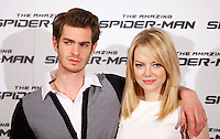 "Gli attori statunitensi Andrew Garfield ed Emma Stone posano durante il photocall per la presentazione del film ""The Amazing Spider-Man"" a Roma, 22 giugno 2012..U.S. actors Andrew Garfield and Emma Stone pose during the photocall for the presentation of the movie ""The Amazing Spider-Man"" in Rome, 22 june 2012..UPDATE IMAGES PRESS/Isabella Bonotto"