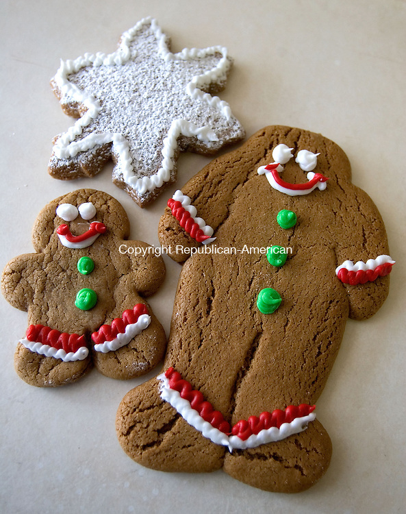 SOUTHBURY, CT. 12 December 2011-120911SV11-Gingerbread cookies from The Bakery in Southbury. Steven Valenti Republican-American