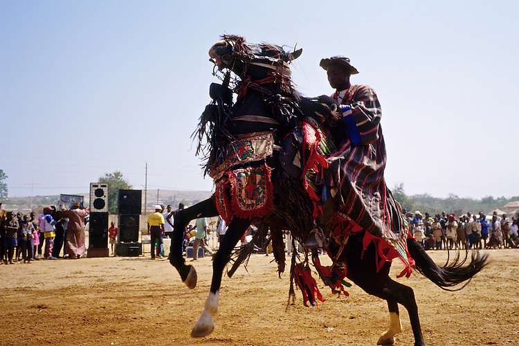 Enthronement of the king of Bariba. The traditional Gaani festival. Suleiman Gnora and his horse.<br />  <br /> Intronisation du roi des Bariba. La f&ecirc;te traditionnelle de la Gaani. Suleiman Gnora et son cheval.