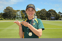 Heaton Intermediate after winning National Primary School Cricket Cup at the Bert Sutcliffe Oval, Lincoln University, Christchurch, New Zealand. Saturday 25 November 2017. Photo: Martin Hunter/www.bwmedia.co.nz