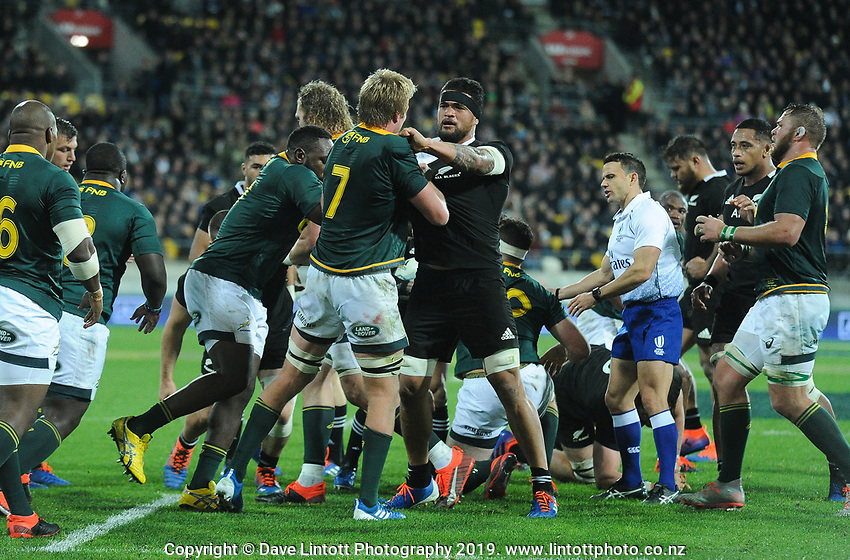 South Africa's Pieter-Steph du Toit and NZ's Vaea Fifita get to know each other during the Rugby Championship rugby union match between the New Zealand All Blacks and South Africa Springboks at Westpac Stadium in Wellington, New Zealand on Saturday, 27 July 2019. Photo: Mike Moran / lintottphoto.co.nz